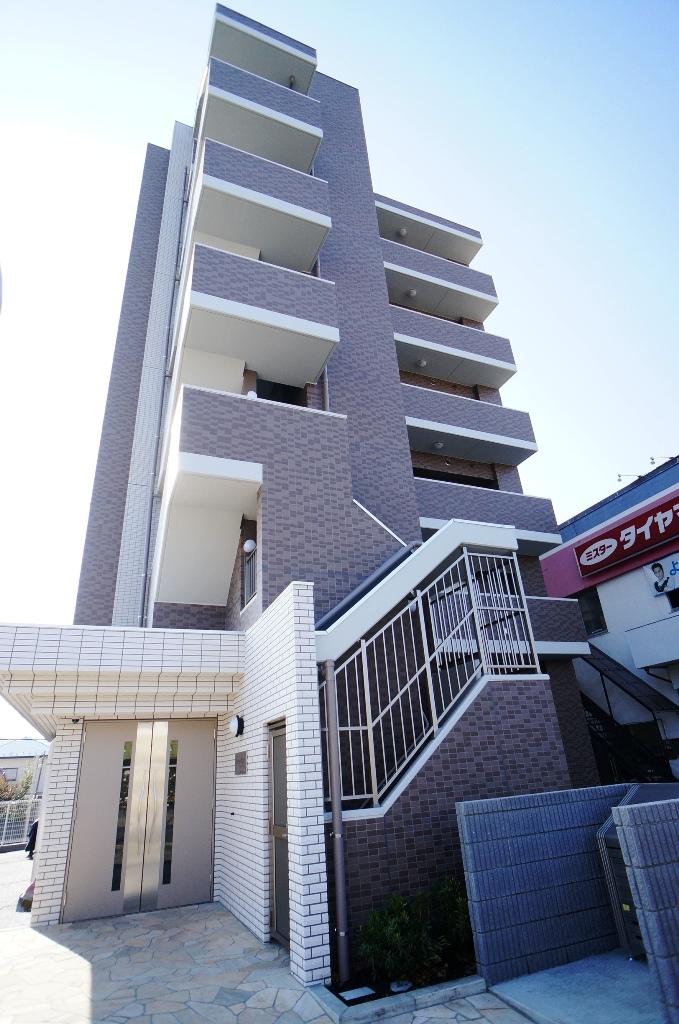Estree Ritz(エストレー・リッツ)<br /> 2013年11月竣工<br /> 6階・1K(15戸)