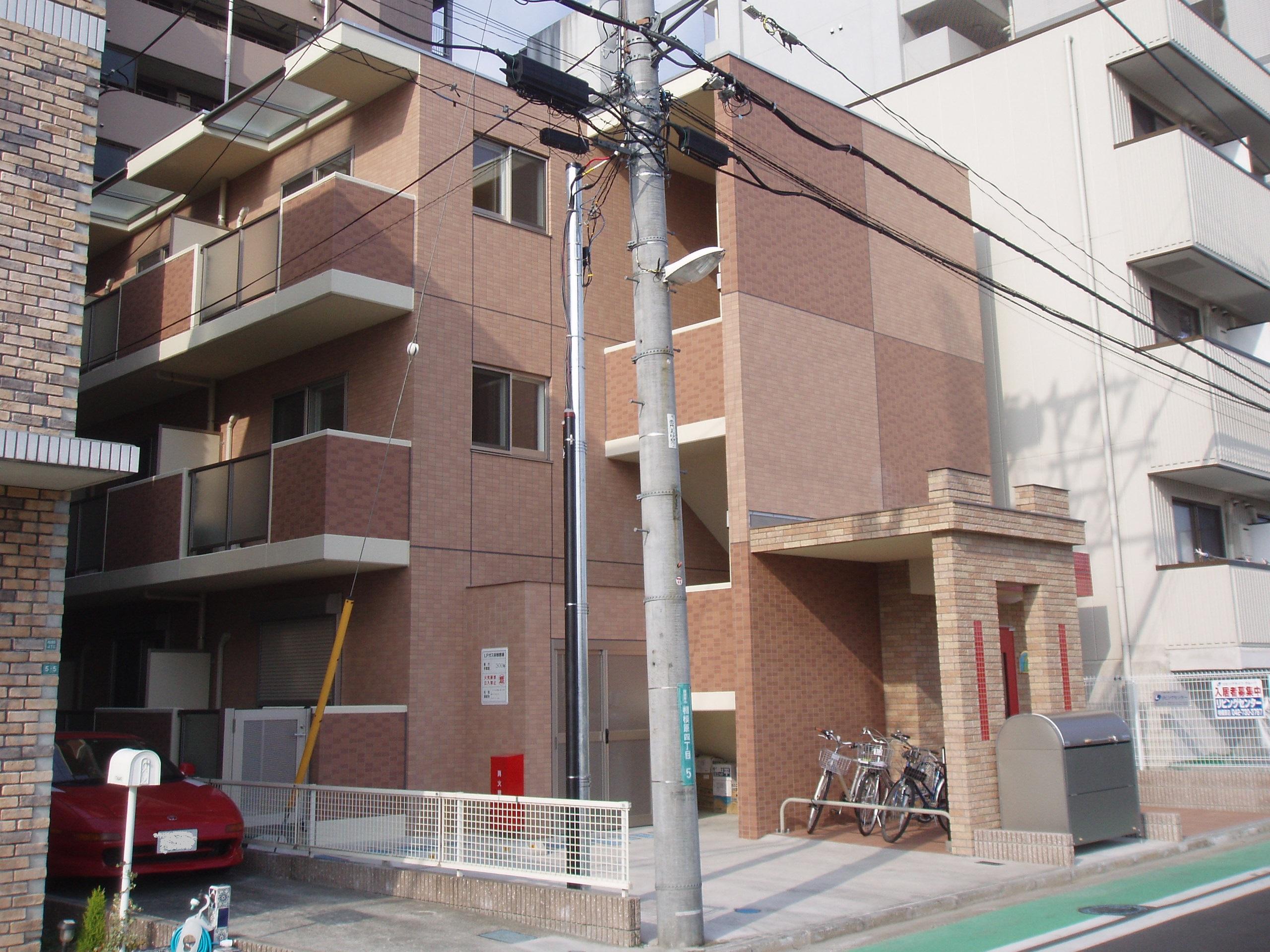Riz Montague(リモンターニュ)<br /> 2008年3月竣工<br /> 3階・1K・1LDK(計12戸)