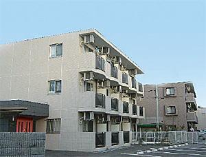 奥が1棟目 <br /> Residence Proud(レジデンスプラウド)<br /> 手前が2棟目 <br /> Casa de michelle(カーサデミシェール)<br />