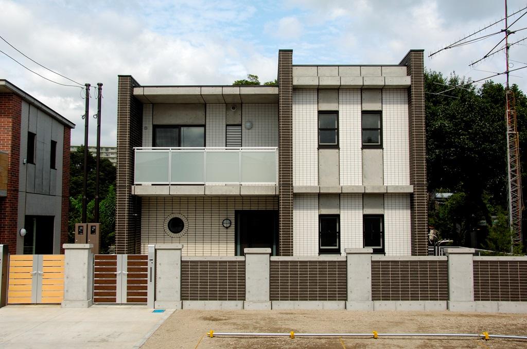 ヴィクトワール フルーヴⅢ B棟<br /> 2009年9月竣工<br /> 2階・3LDK(1戸)