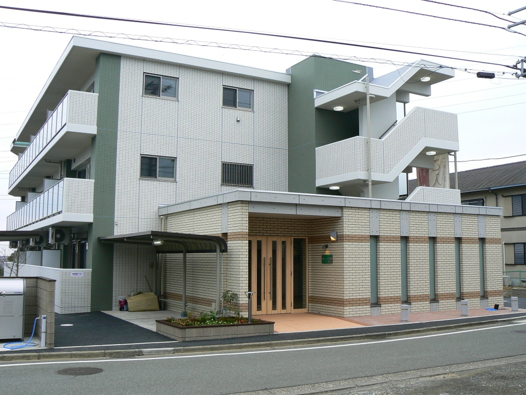 セレッソⅡ<br /> 2011年2月竣工<br /> 3階・2LDK(12戸)