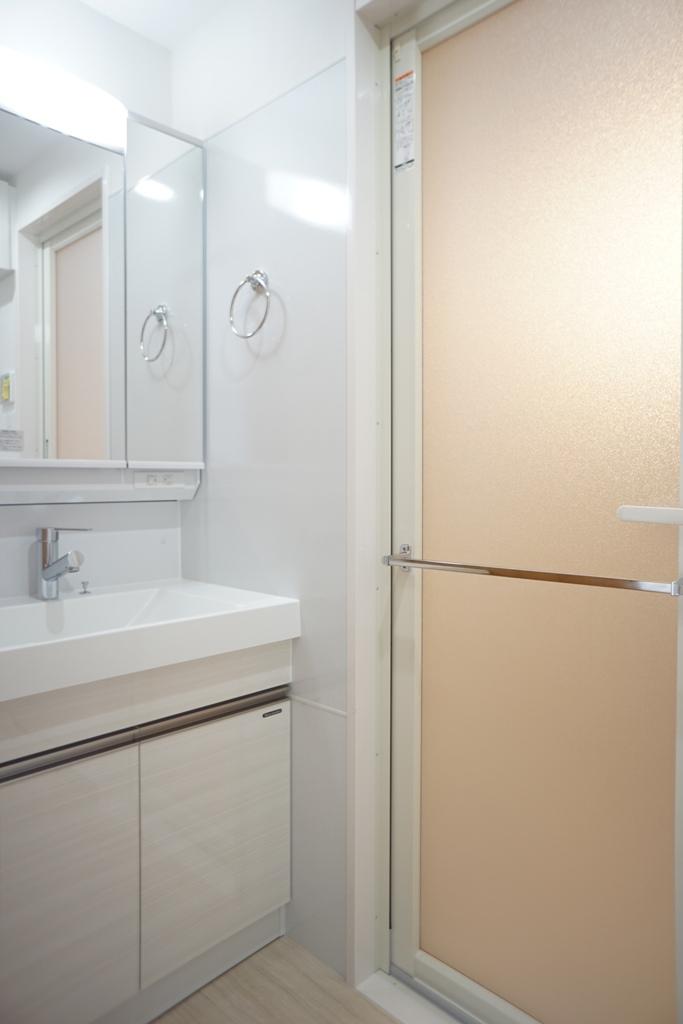 賃貸マンション機能的な洗面台