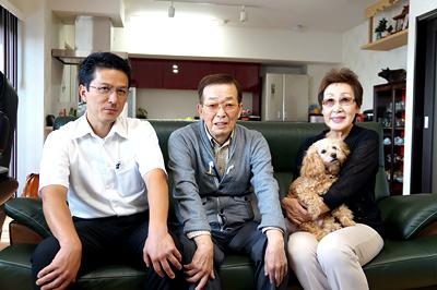 オーナーS様と当社営業 寺田(左)