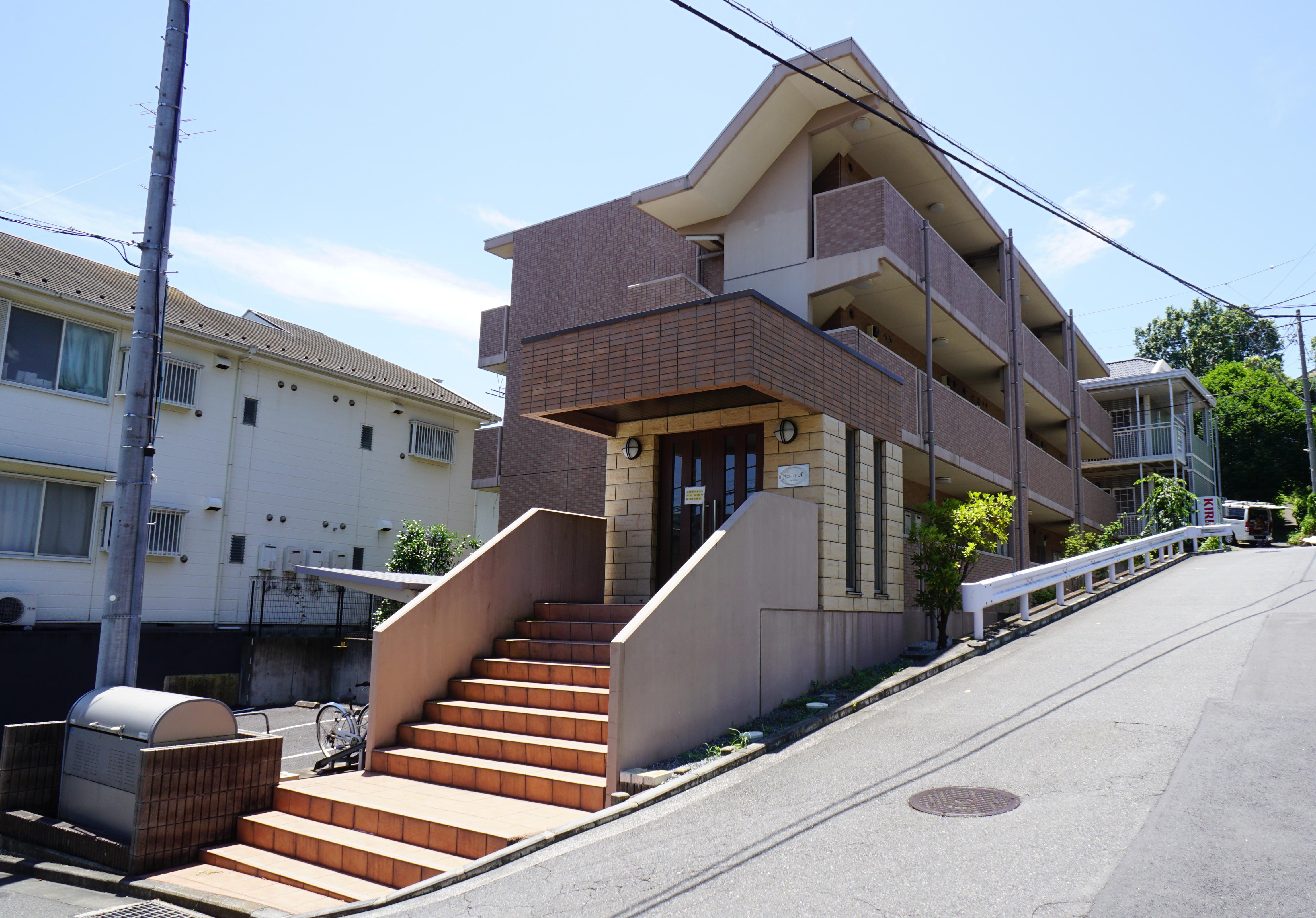 フロンティア・N<br /> 地上3階・1K(18戸)<br /> 2006年3月