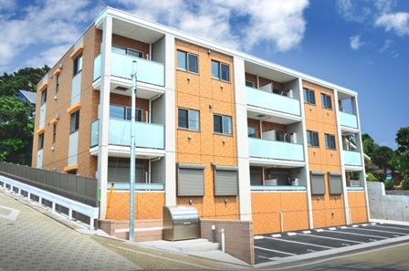 GreenTerrce<br /> 地上3階・1LDK(3戸)2LDK(9戸)<br /> 2015年8月竣工